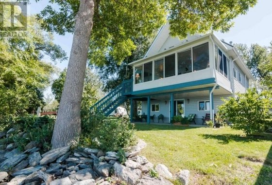 9060C Front Road, Amherst Island